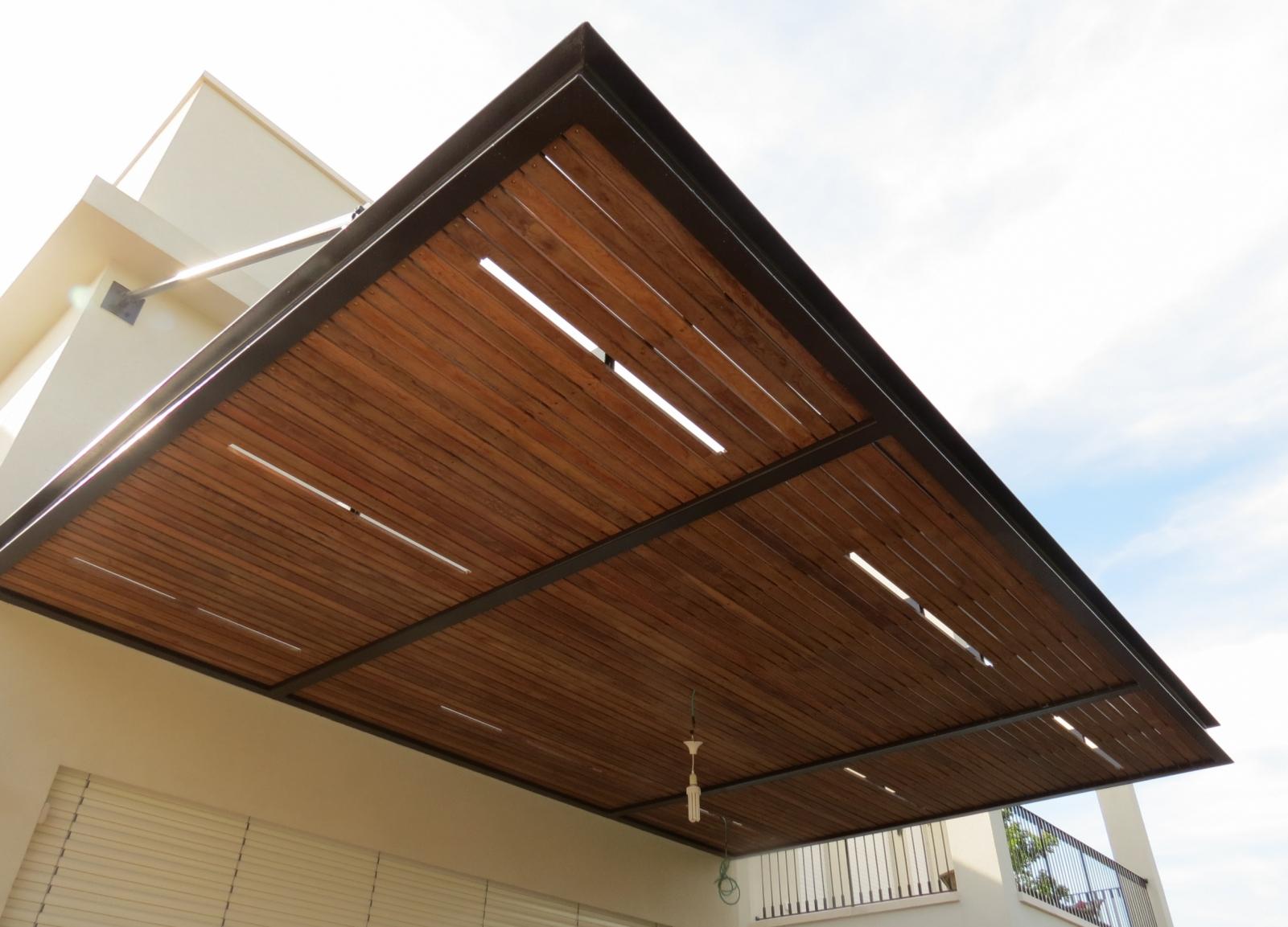 פרגולה מעוצבת מתכת עץ מלא איפאה