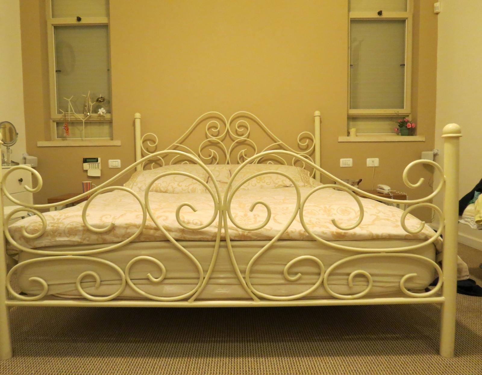 מיטה פירזול מתכת